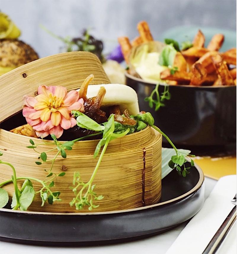 waku waku vegan restaurant -